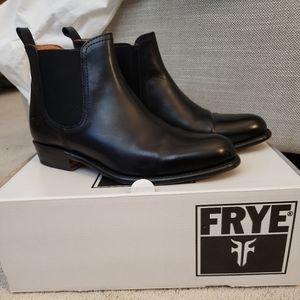 Women's size 8 Frye Boots